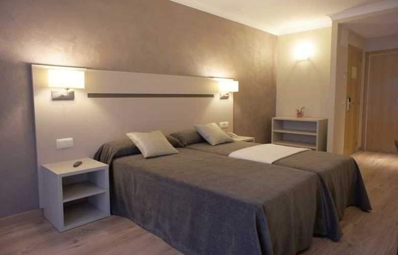 Cosmos Hotel - Room - 9