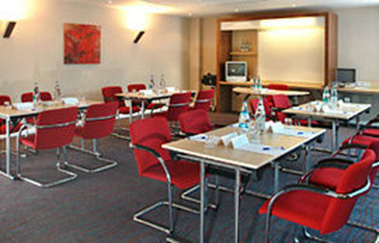 Holiday Inn Express Doncaster - Conference - 6