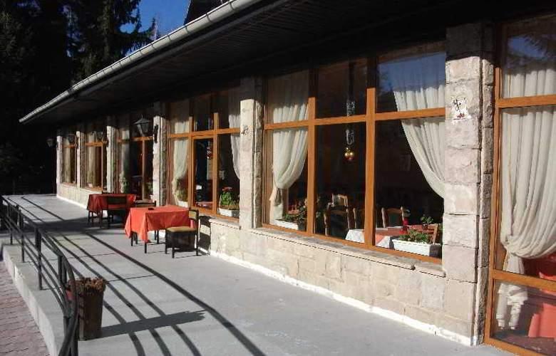 Bor Hotel - Terrace - 8