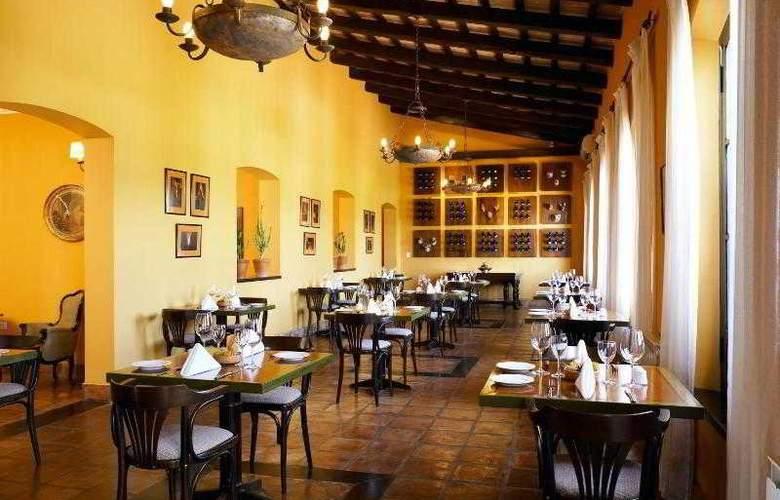Patios de Cafayate Hotel & Spa - Restaurant - 34