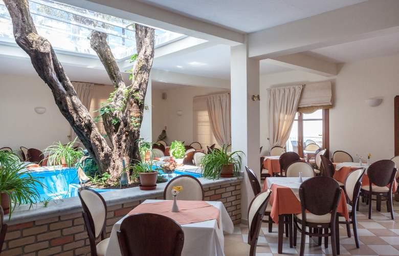 Aeolos - Restaurant - 6