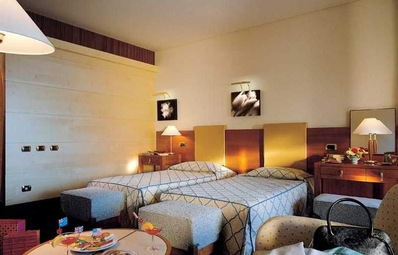 Carlos V - Room - 1