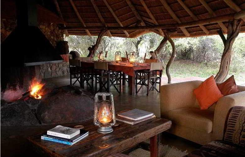 Kwafubesi Tented Safari Camp - Restaurant - 8