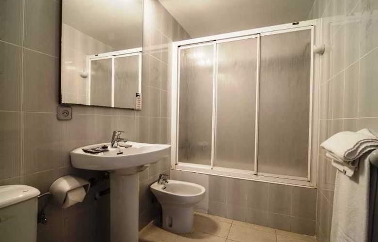 Apartamentos Turísticos Royal Life - Room - 20