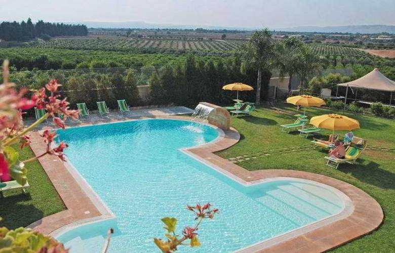 Il Podere Hotel Spa Restaurant - Pool - 5