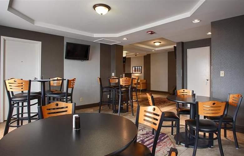 Comfort Inn Central - Restaurant - 30