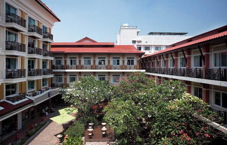 Rambuttri Village Inn & Plaza - Hotel - 0