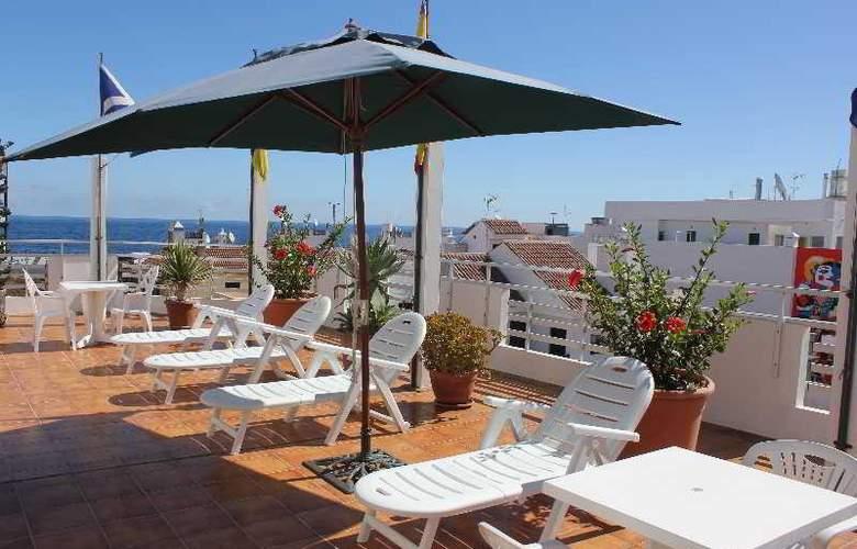 Sun Holidays - Terrace - 18