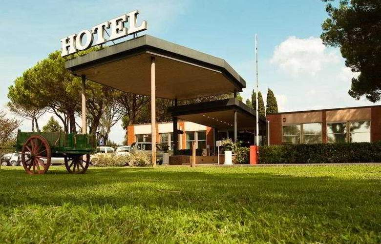 Park Hotel California - Hotel - 0