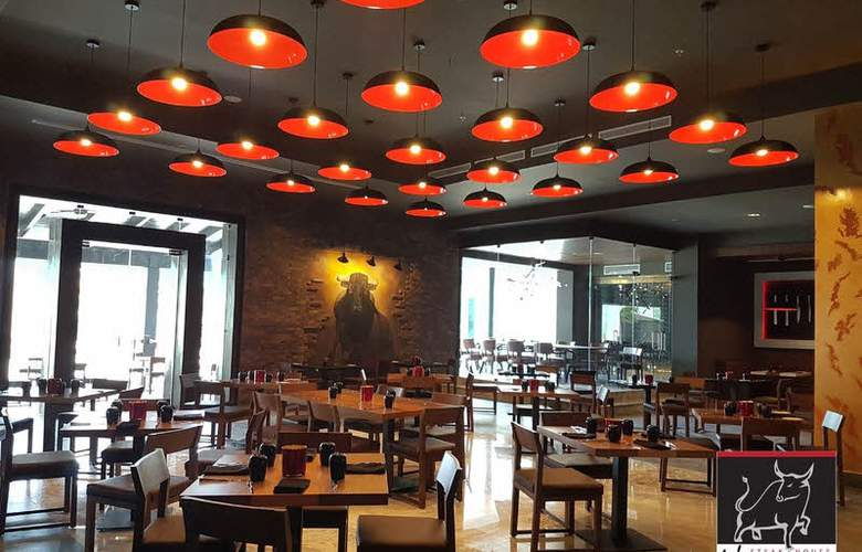 Royalton Blue Waters - Montego Bay - Restaurant - 7