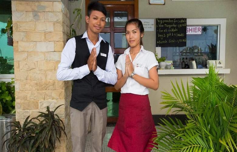 Hang Neak Hotel - Restaurant - 15