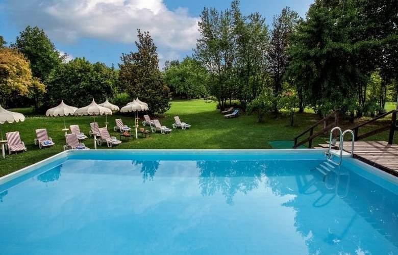 Park Hotel Junior - Pool - 8