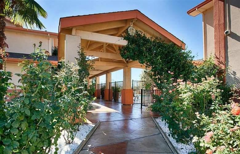Best Western Plus Antelope Inn - Hotel - 16