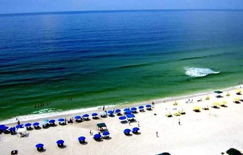 ResortQuest Rentals at Palacio - Beach - 4