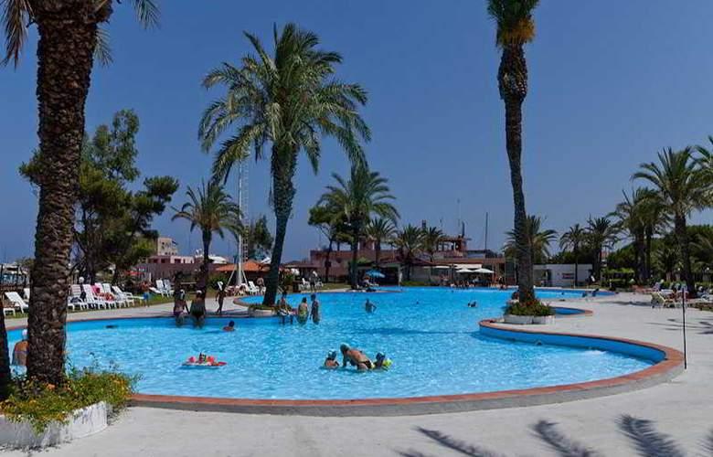 Tindari Resort & Marina Beach - Pool - 20