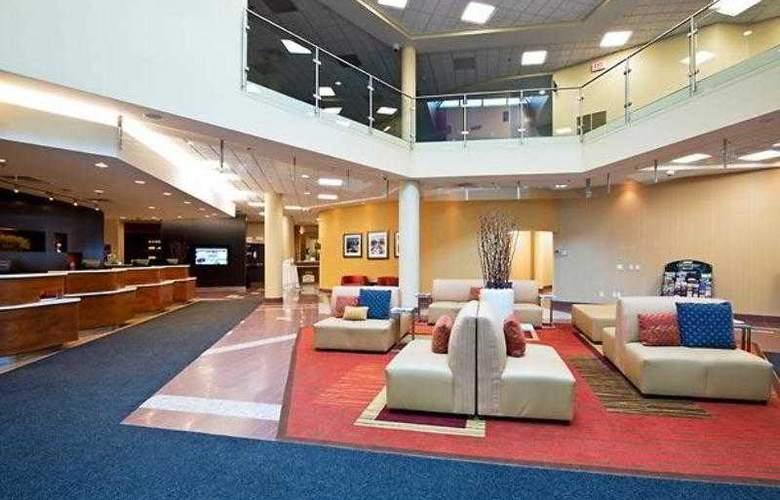 Courtyard Ottawa East - Hotel - 10