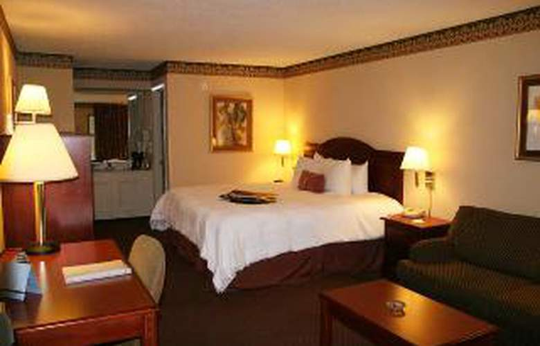Hampton Inn Manchester - Room - 2