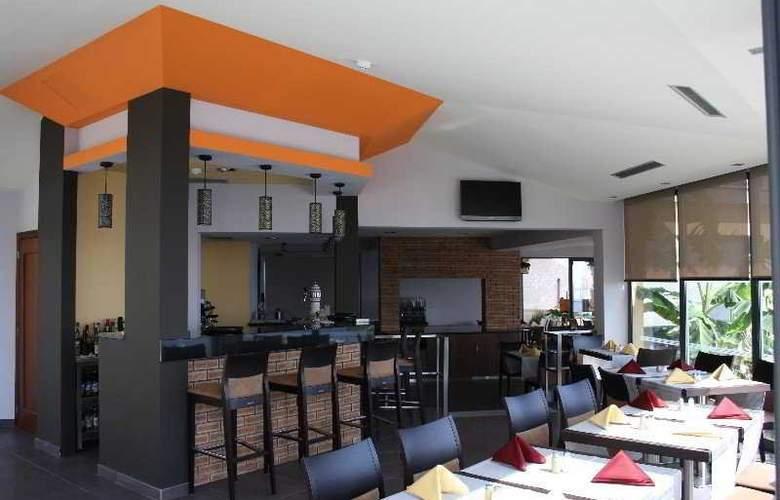 Hotel Cais da Oliveira - Restaurant - 10