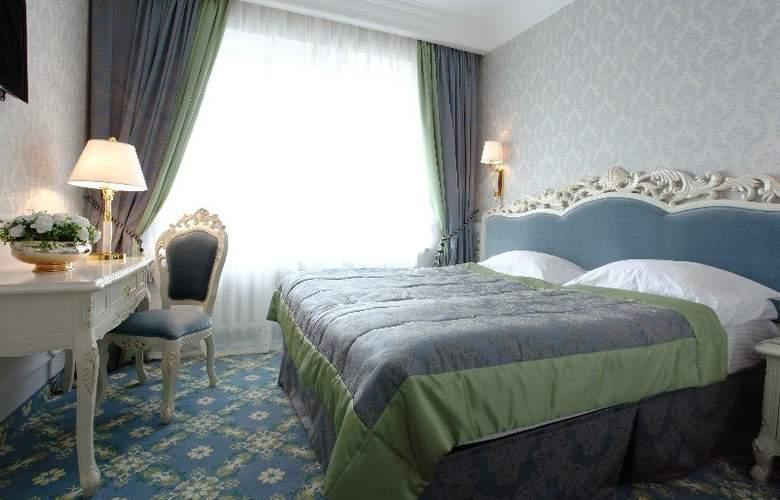 Royal Olympic Hotel - Room - 8