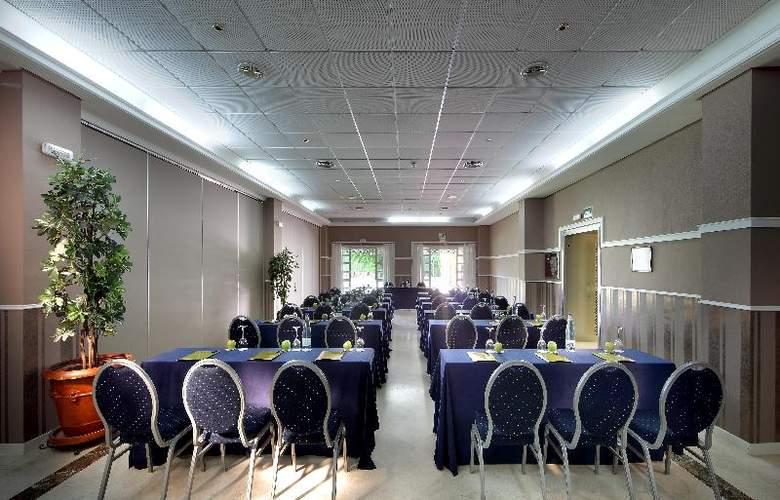 Exe Gran Solucar - Conference - 26