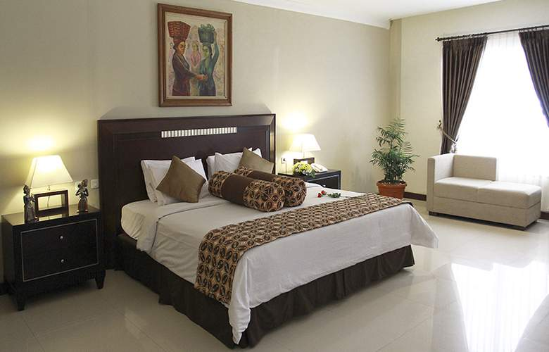 Gowongan Inn Yogyakarta - Room - 9