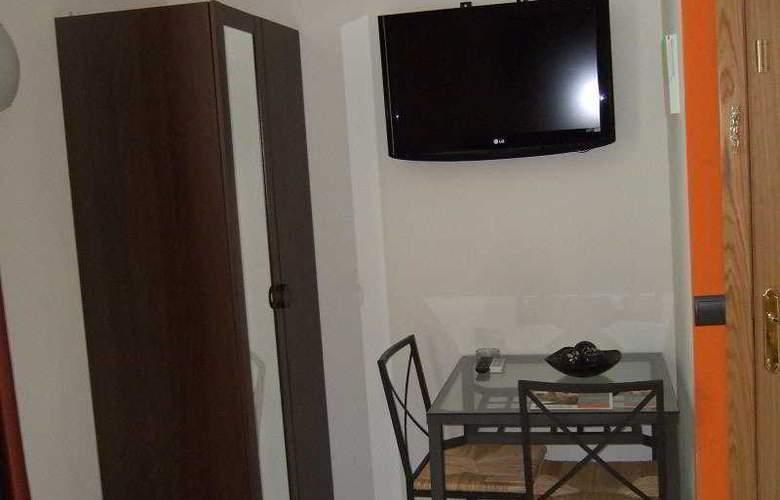 Apartamentos H2 Plaza Mayor - Room - 2