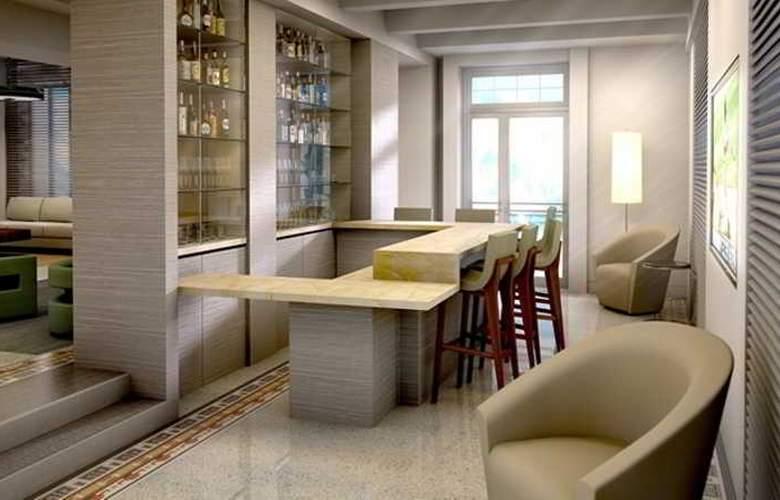 Hilton Garden Inn Miami South Beach - Hotel - 2