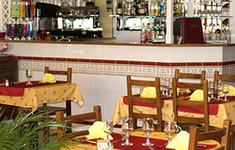 Royal Hotel Aigues Mortes - Restaurant - 4