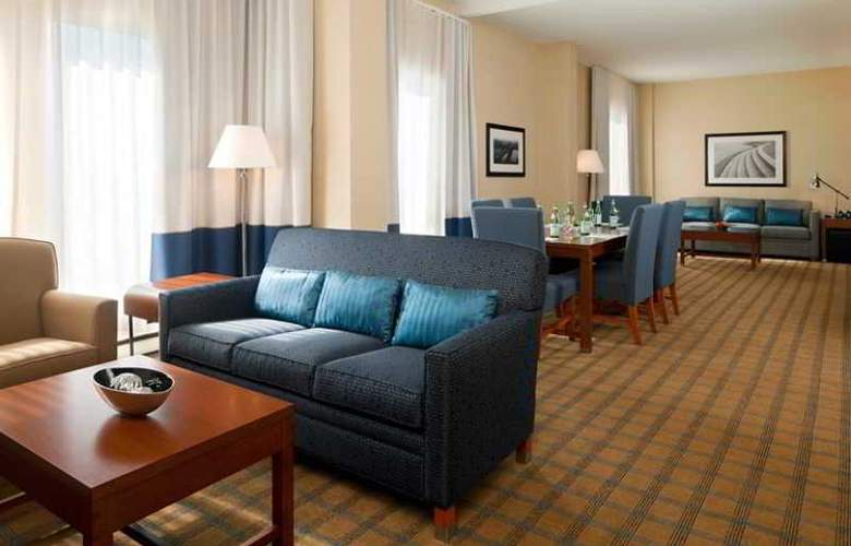Four Points by Sheraton Hotel & Conference Centre Gatineau-Ottawa - Room - 12