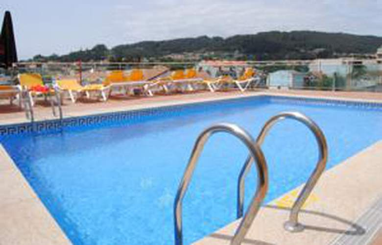 Apartamentos Riveiro - Hotel - 1