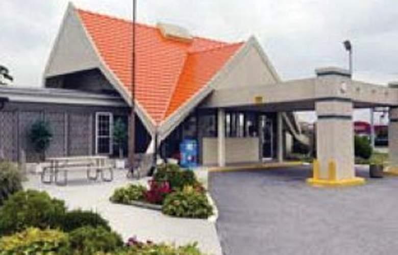 Howard Johnson Inn - Hotel - 0