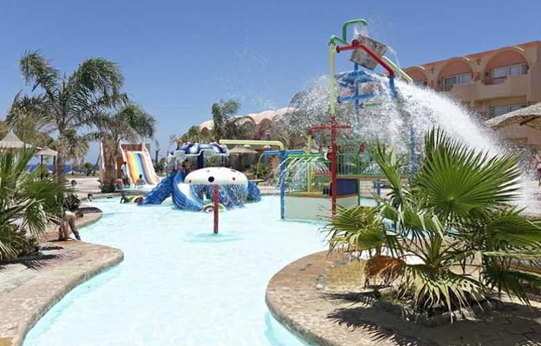 Three Corners Sea Beach Resort - Pool - 21