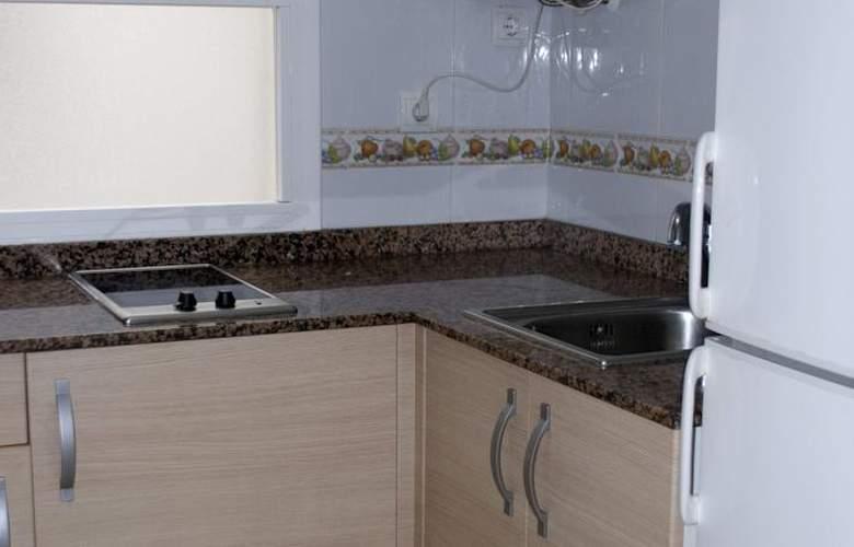 Apartamentos Hesperia, Flandria y Alfonso I - Room - 8
