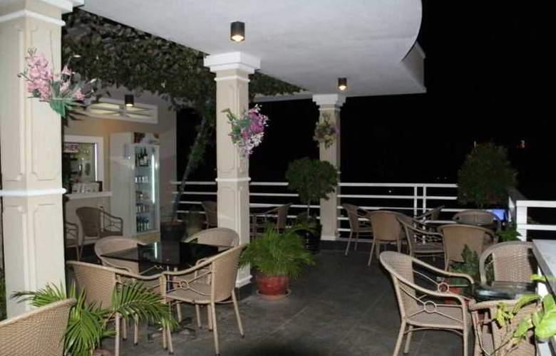 Hang Neak Hotel - Terrace - 7