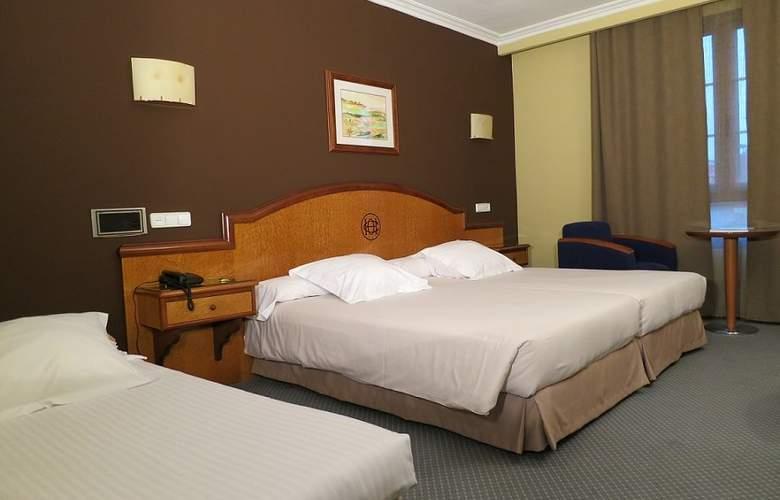 Hotel Sercotel Ciudad de Oviedo - Room - 9