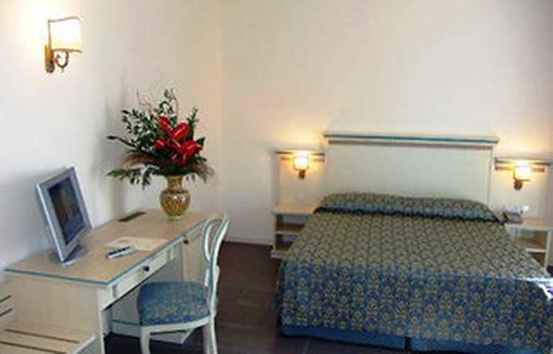Apeiron Hotel - Room - 2