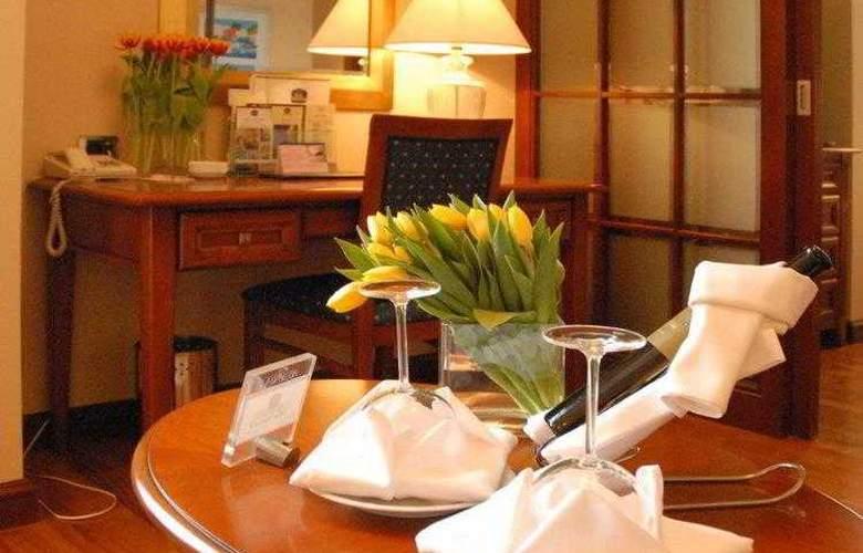 Best Western Premier Astoria - Hotel - 10
