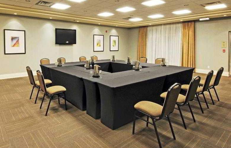 Holiday Inn Express & Suites Vaughan - Hotel - 16