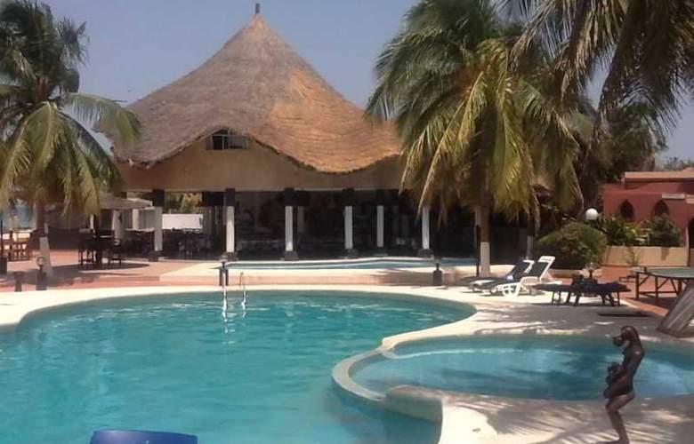 Africa Queen - Pool - 10