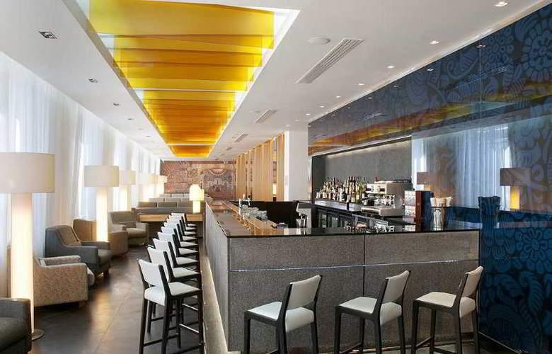 Holiday Inn Simonovsky - Bar - 4