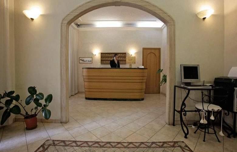 Embassy - Hotel - 6