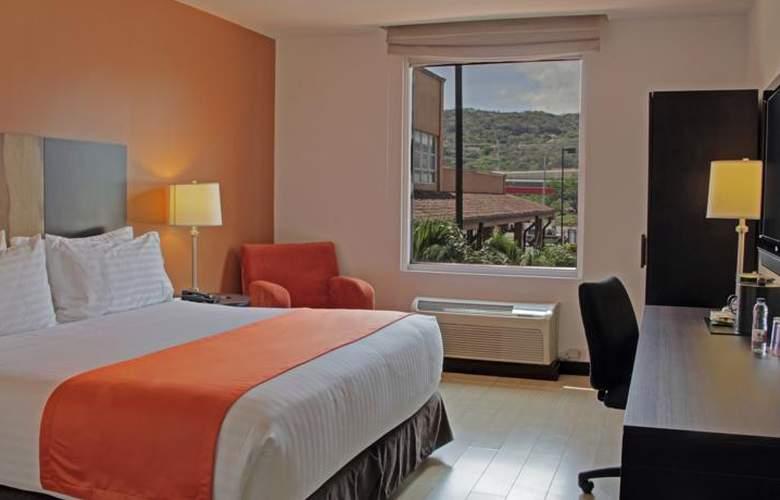 Holiday Inn Express San Jose Forum - Room - 8