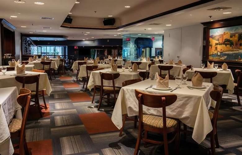 Best Western Ville-Marie Hotel & Suites - Restaurant - 50