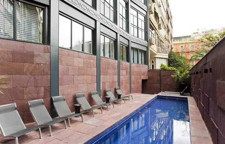 Suites Avenue Barcelona Luxe - Pool - 3
