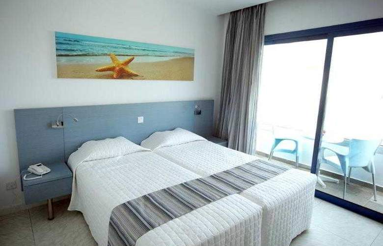 Anonymous Beach Hotel - Room - 3