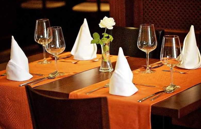 Gold Buda - Restaurant - 56