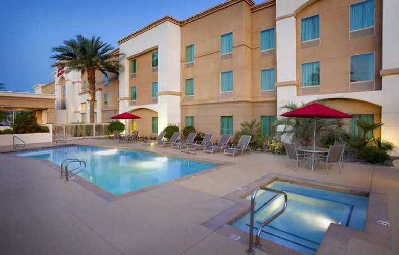 Hampton Inn and Suites Palm Desert - Hotel - 7