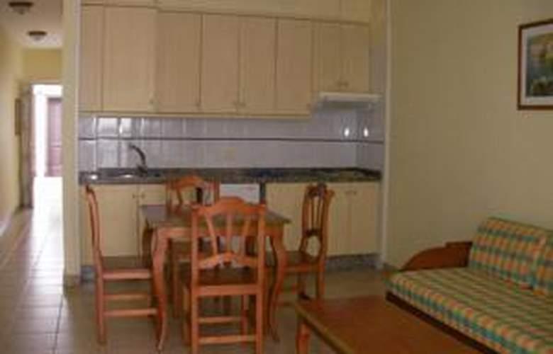 Las Mozas Apartamentos - Services - 3