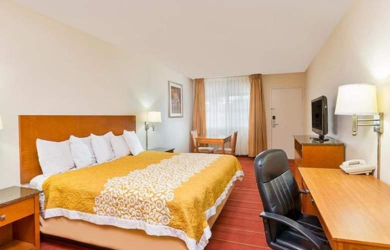 Days Inn & Suites - Room - 8