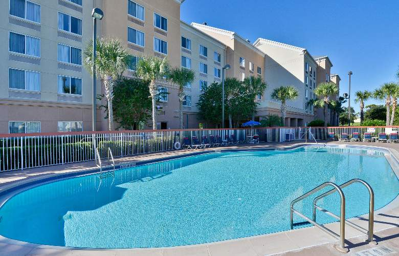 Comfort Inn & Suites Convention Center - Pool - 5